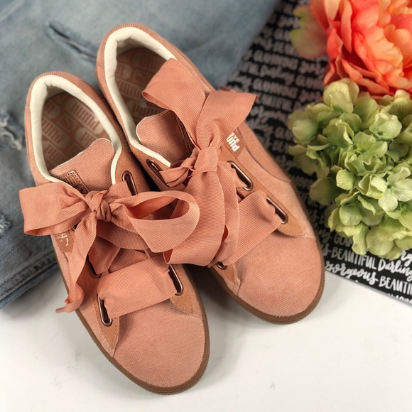 outlet store 020b3 43365 Puma Corduroy basket heart bow shoes dusty coral NWT